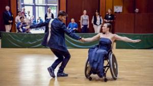 """Onze reporter trok met Koen Wauters en zijn bijzondere danspartner naar Frankfurt: """"Oei, dacht ik. Kán die wel dansen?"""""""