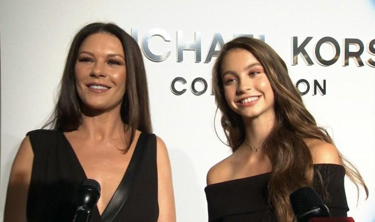 Dochter Catherine Zeta-Jones lijkt steeds meer op haar moeder
