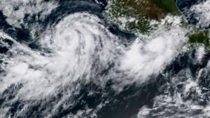 Storm Norma wordt een orkaan en nadert Mexico