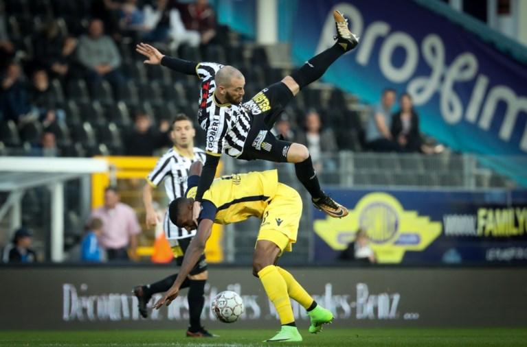 Club Brugge wint topper tegen Charleroi na zinderende slotfase en is nog steviger leider