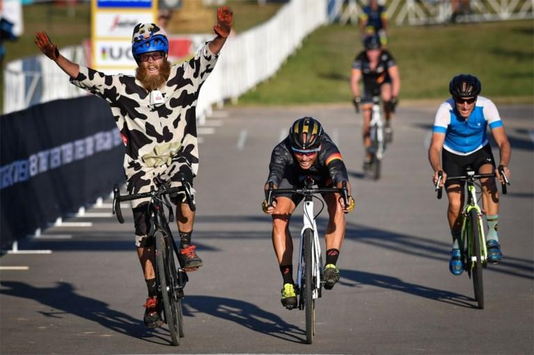 Om ter gekst in de States, waar Nys al eens de duimen moet leggen voor … een 'koe'