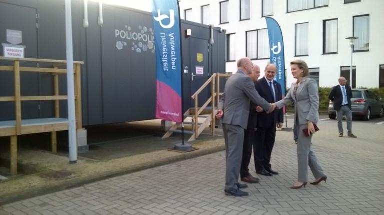 Mathilde bezoekt 'containerdorp' van Universiteit Antwerpen