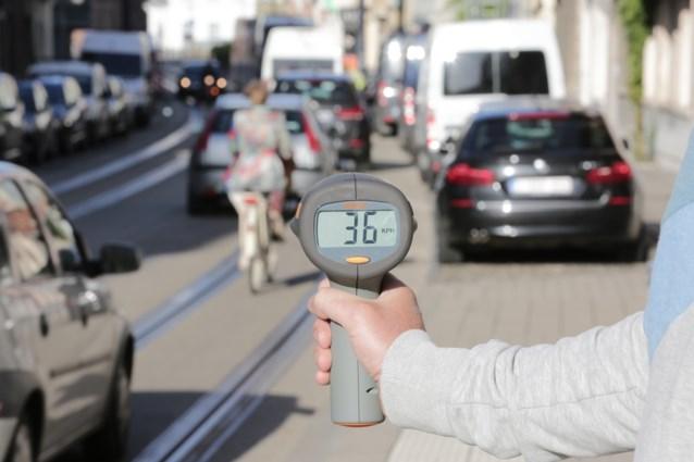 """Wijkbewoners meten zelf hoe snel auto's rijden: het resultaat is """"bijna crimineel"""""""