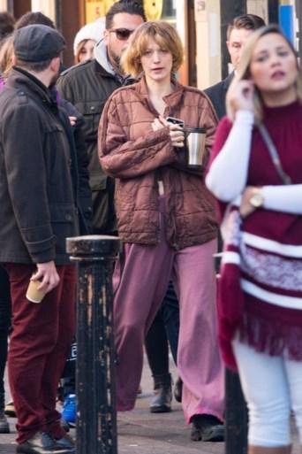 Actrice Blake Lively bijna onherkenbaar op filmset