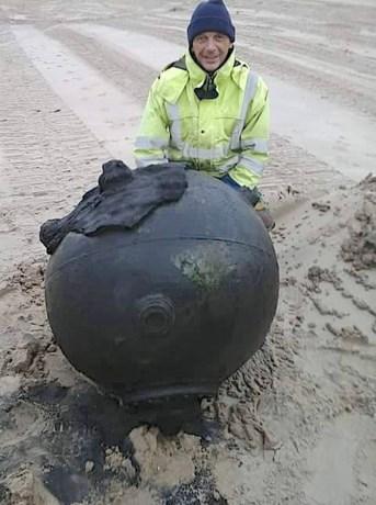 Duitse zeemijn aangetroffen op strand van Wenduine