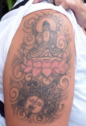Toeriste het land uitgezet wegens foute tattoo