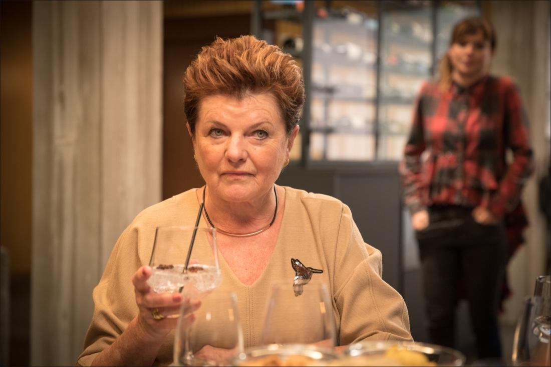 Ann Van Den Broeck Naakt de eerste beelden van janine bischops in 'familie': ze dropt