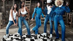 Calvin Klein pakt ondergoedcampagne helemaal anders aan