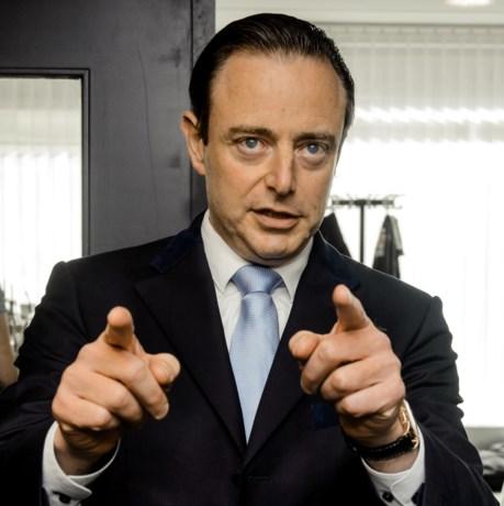 """De Wever: """"Eén Cola Zero drinken op een receptie en mijn integriteit wordt in vraag gesteld"""""""