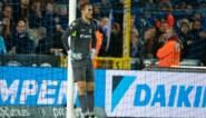 Wéér doelman Club Brugge verschrikkelijk de mist in