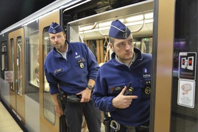 Jambon wil spoorwegpolitie op de trein, niet in het station