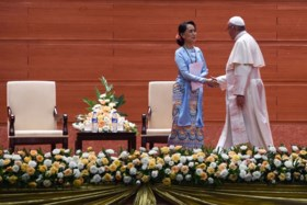 Praatte de paus té subtiel over de vervolgde Rohingya?