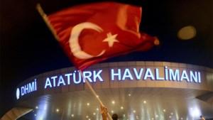 Levenslange celstraf voor 28 militairen die luchthaven van Istanboel wilden veroveren
