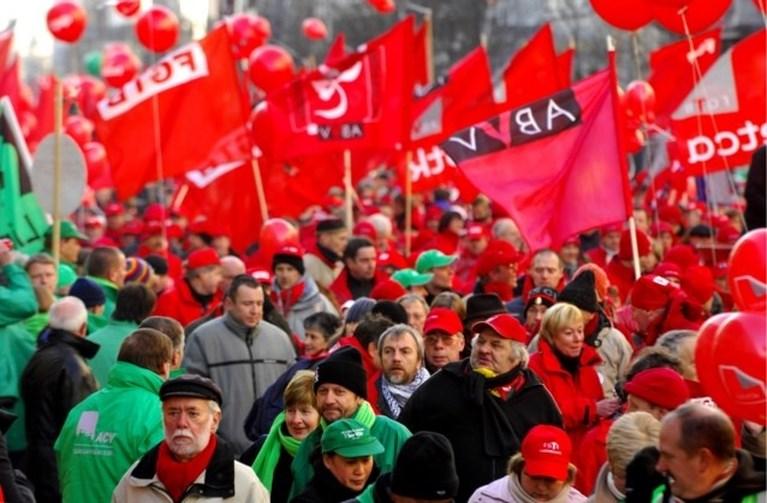 """Premier Michel haalt uit naar vakbonden: """"Proberen angst te zaaien door leugens te verspreiden"""""""