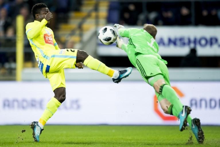 Anderlecht nipt voorbij Gent na flauwe match, Hanni reageert met de voeten op de kritiek maar juicht niet