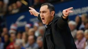 Uitsluiting coach Gjergja stopt Oostende niet, Charleroi wint moeizaam