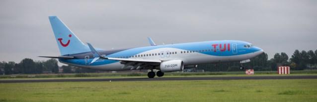 Tui Fly zoekt: 60 airhostessen en stewards, 64 piloten en 23 ingenieurs