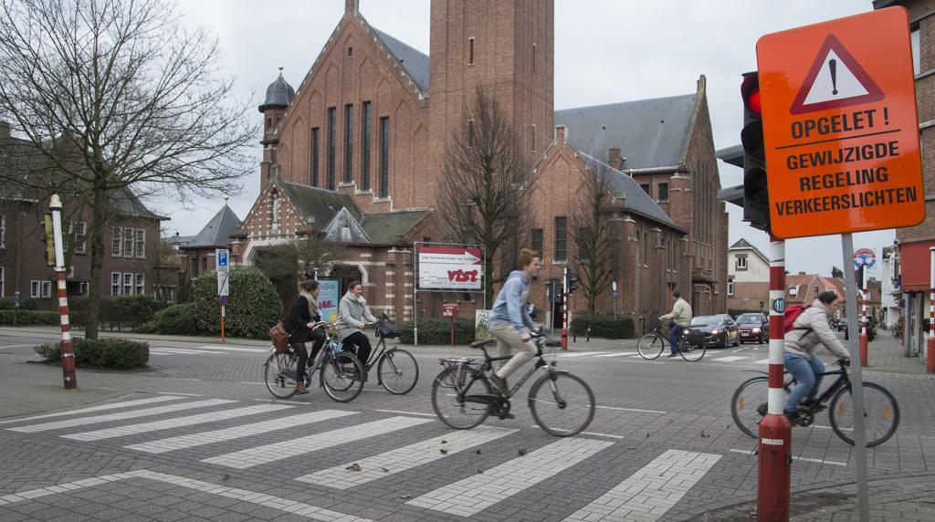 Iedereen is boos om veilige verkeerslichten (Turnhout) - Het Nieuwsblad  Mobile
