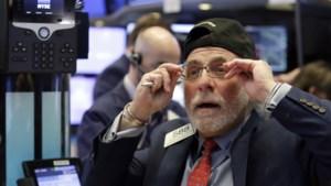 Beurzen gaan in het rood: zwaarste daling voor Dow Jones in jaren