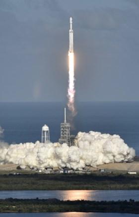 """""""Krachtigste raket op aarde"""" met succes gelanceerd"""