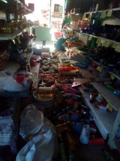 Zware aardbeving (7,2 op de schaal van Richter) treft Mexico: vulkaan spuwt as, 100.000 mensen zonder stroom