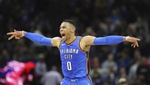 Spektakel in de NBA: Westbrook wint wedstrijd met gekke buzzer beater, Curry dolt tegen Clippers, Cavs onderuit
