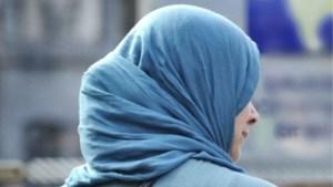 Maasmechelse scholen verbieden het, maar meisjes mogen van rechter hoofddoek toch blijven dragen