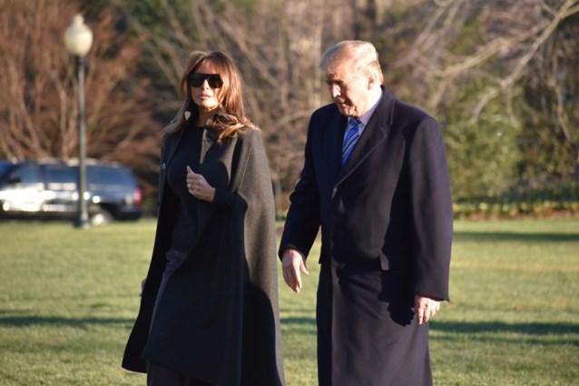 """Trump toont gevoel voor humor: """"Wie is de volgende die het Witte Huis verlaat? Misschien Melania"""""""