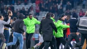 Ook in Frankrijk roeren de fans zich: spelers van Lille worden aangevallen door eigen achterban