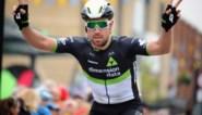 """Ploegmaat Serge Pauwels gewond na botsing met auto in Tirreno: """"Ik ben blij dat ik nog leef"""""""
