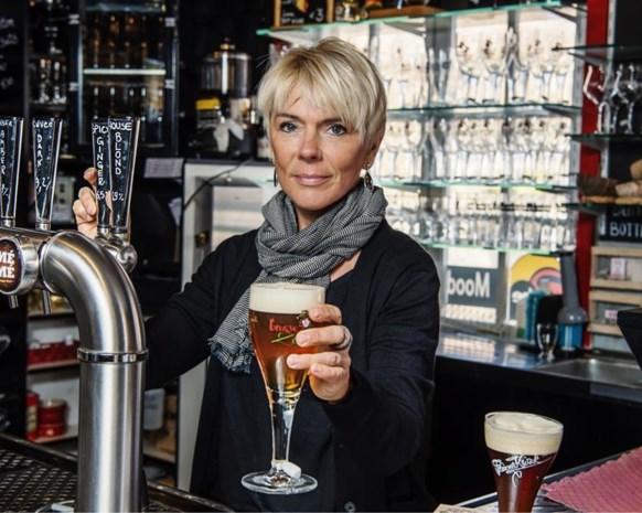 Elk jaar 4.000 bierglazen gestolen: dit Brugse café is het zat en grijpt in