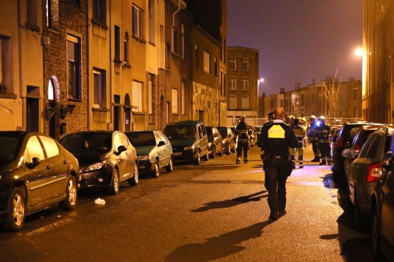 Aanslag met spijkerbommen in Deurne: veel schade aan huizen en 15 auto's
