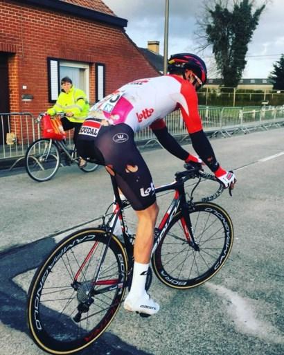 Koers op sociale media: Van der Poel op de motor, Puck op de crossfiets en Van Aert inspireert Van Hooydonck