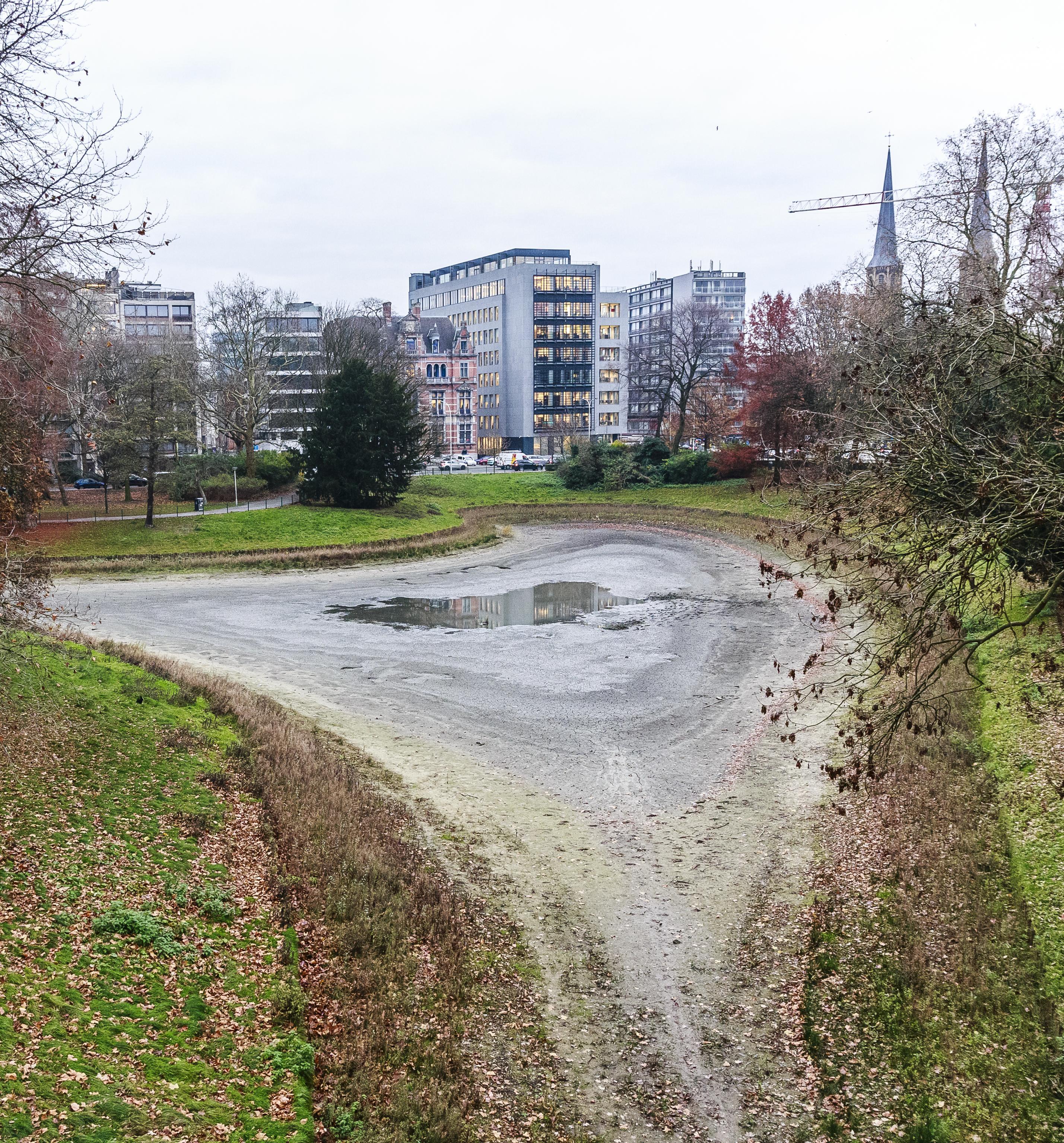 Extra Regenwater Voor Vijver Stadspark Antwerpen Het Nieuwsblad Mobile