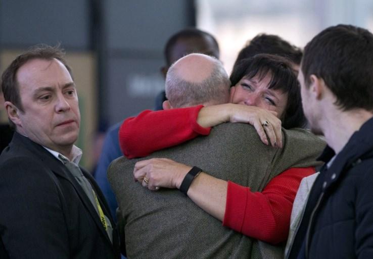 """Slachtoffers niet te spreken over herdenking aanslag Zaventem: """"Premier kwam families niet eens groeten"""""""