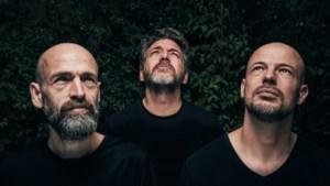 """'t Hof van Commerce viert jubileumjaar met nieuwe nummers, uitverkochte clubtour én zelfgemaakte documentaire: """"Ja, we hebben een cultstatus"""""""