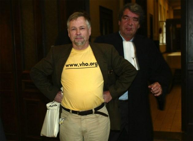 """Antwerpenaar (76) krijgt zes maanden celstraf voor ontkennen van holocaust: """"Gaskamers waren een mythe"""""""