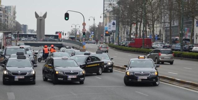 Vilvoorde vreest taxioorlog zoals in Brussel en legt frauduleuze constructies bloot