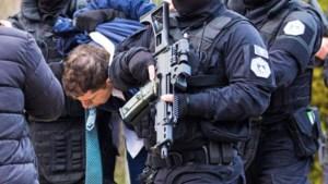 <B>Nieuw kookpunt bereikt: één arrestatie</B> en de crisis barst weer los tussen Servië en Kosovo