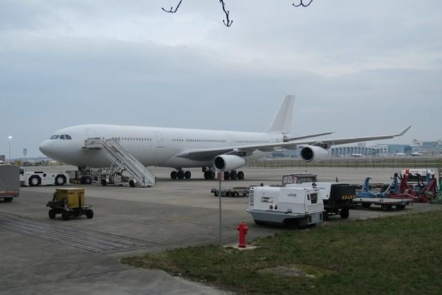 Eerste commerciële vlucht van Air Belgium vertrekt in... Amsterdam