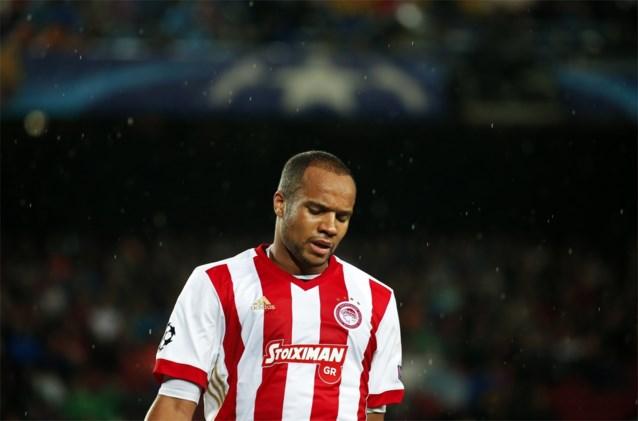Vadis mag weer trainen bij Olympiakos, clubs over heel Europa informeren naar middenvelder