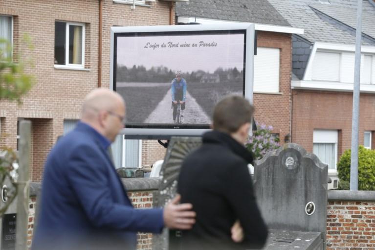 """Wielerwereld neemt massaal afscheid van Michael Goolaerts (23): """"Je reed van de Hel van het Noorden naar de hemel"""""""