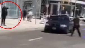 Dit is het moment waarop de dader in Toronto gearresteerd wordt