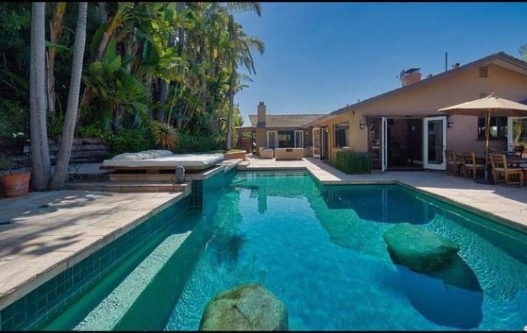 Astrid Coppens verkoopt villa in LA voor 2,8 miljoen