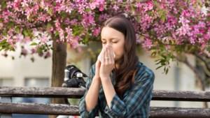 """ADVIES. """"Dit seizoen niet schat, ik heb pollenallergie"""""""
