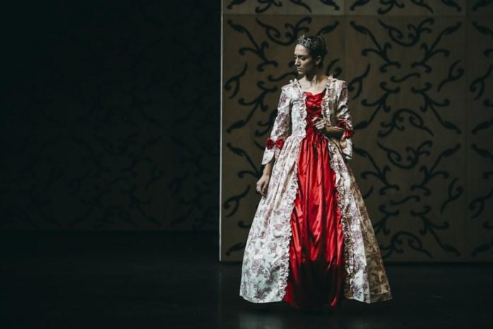 """Nieuwsanker Hanne Decoutere danst voor eerst in 15 jaar voor publiek: """"Mijn hart klopte in mijn keel en bleef maar bonken"""""""