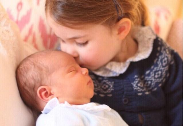 Royals of niet, de kinderen van Kate en William dragen de kleertjes van broer en zus