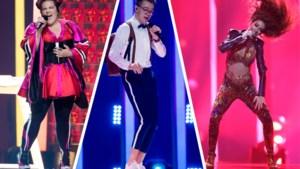 """Onze stylist keurt de outfits op het Songfestival: """"Alsof ze iemand uit de Carré hebben geplukt"""""""