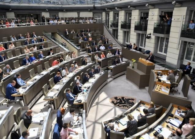"""Werkgevers schudden regering wakker: """"Ze moeten tot allerlaatste dag voor verkiezingen werken"""""""