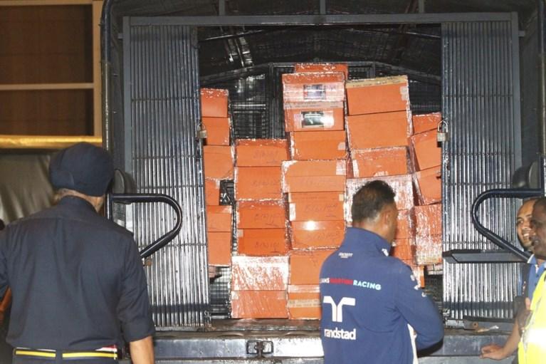 Ruim zeventig zakken met geld en juwelen gevonden bij Maleisische oud-premier